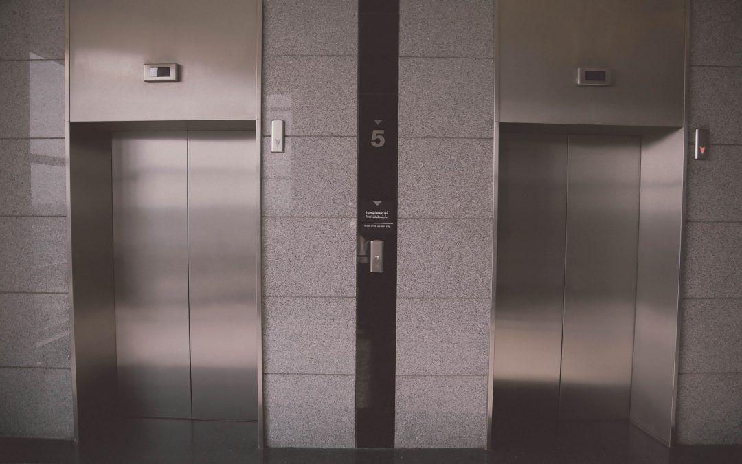 Riesgo de contraer COVID19 en un elevador